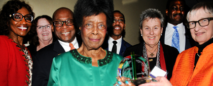 Dr. Bernice Harper Receives Award From NASW Board Presidents At 60th Anniversary Event 2015